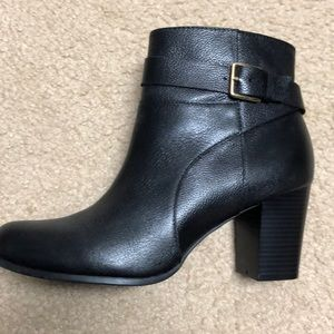 Worn once cole haan boots